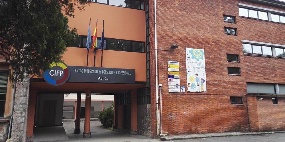 Puerta del Centro Educativo
